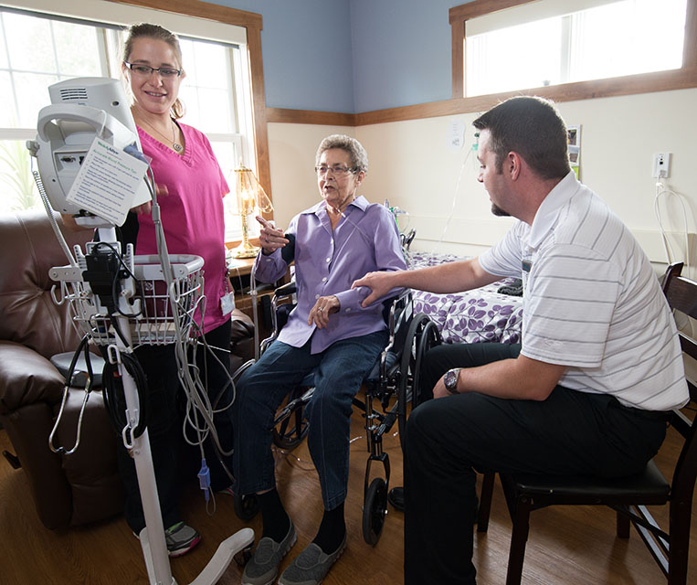 Hospice Patient with doc and nurse